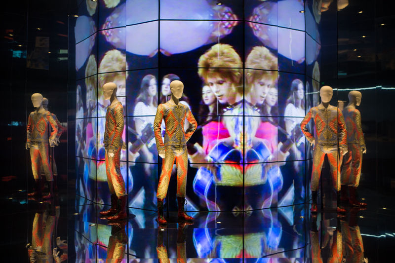 « David Bowie Is » … Barcelona hosts the international exhibition dedicated to the king of glam-rock.