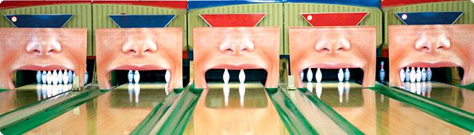 publicidad creativa: dientes como bolos en anuncio