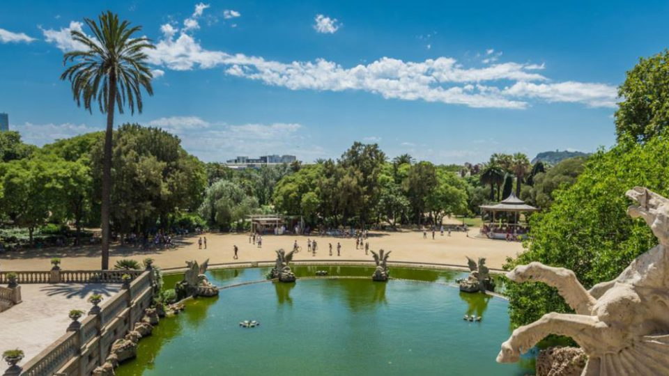 PARK OF THE CIUTADELLA: THE OLDEST PARK OF BARCELONA.