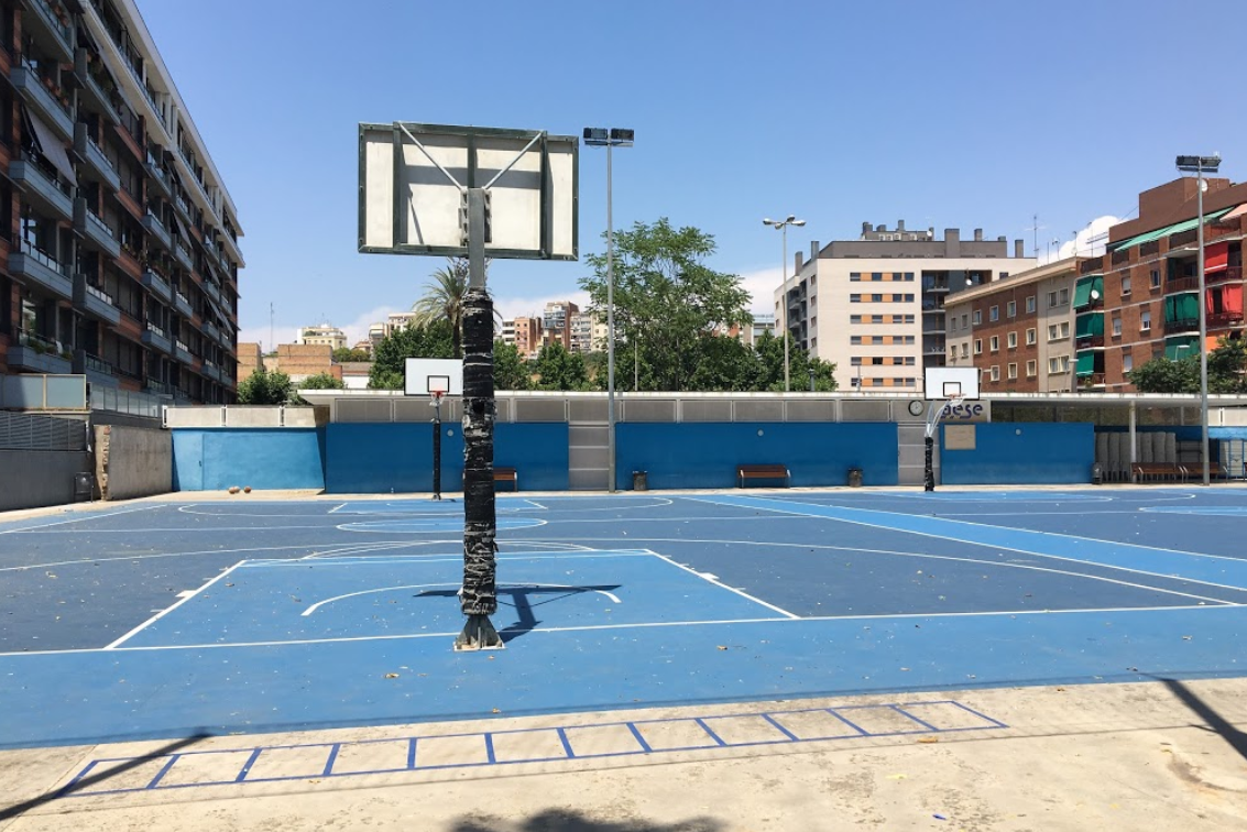 outdoor basketball courts in barcelona ideal for shootings