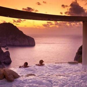 cascadas-suspendidas-ambiente-puesta-de-sol